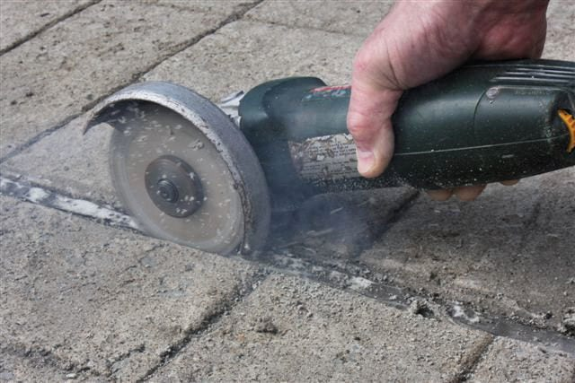 Slicing into soft, pliable joint sealant - Sealant does not melt!